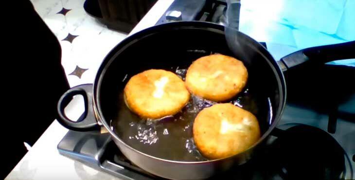 Как вкусно приготовить беляши с мясом на сковороде