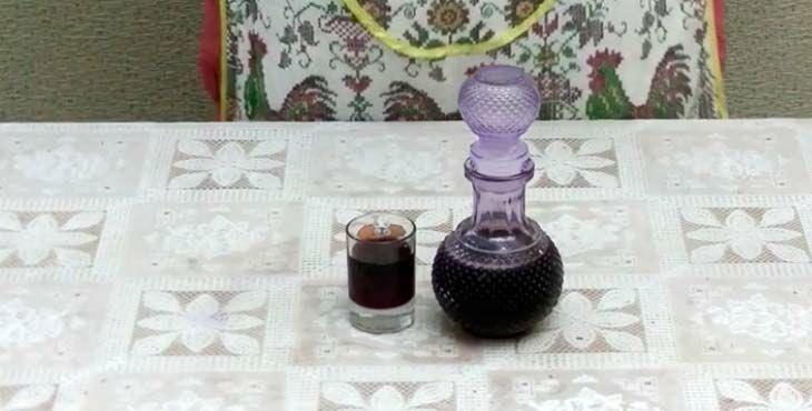 Как поставить домашнее вино из черноплодной рябины